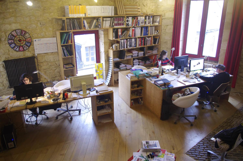 L'Atelier-RK. L'agence est située Rue Kléber dans le centre historique de Montignac.